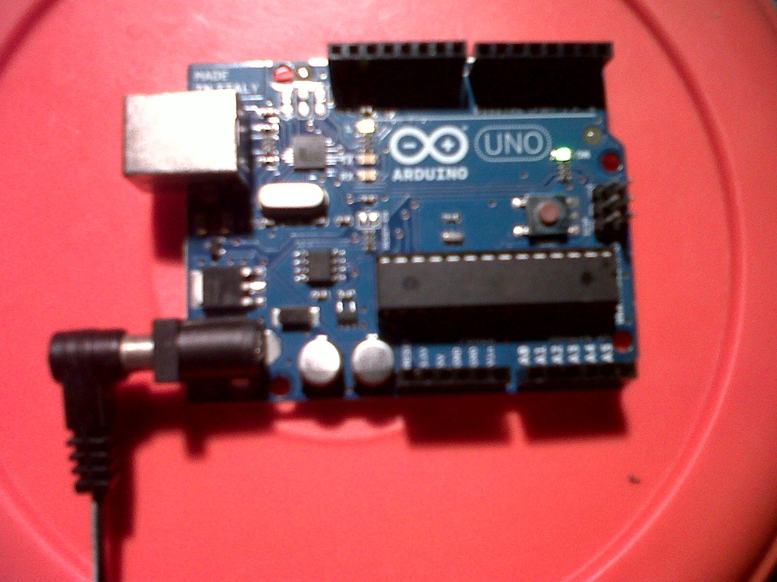 Arduino UNO con fuente de 9V